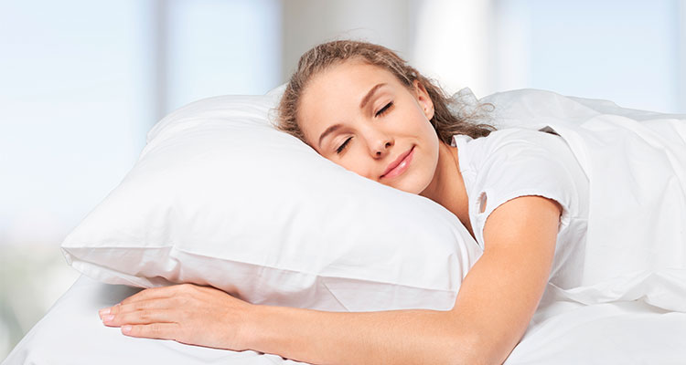 DO YOU LAY YOUR PILLOW RIGHT ?